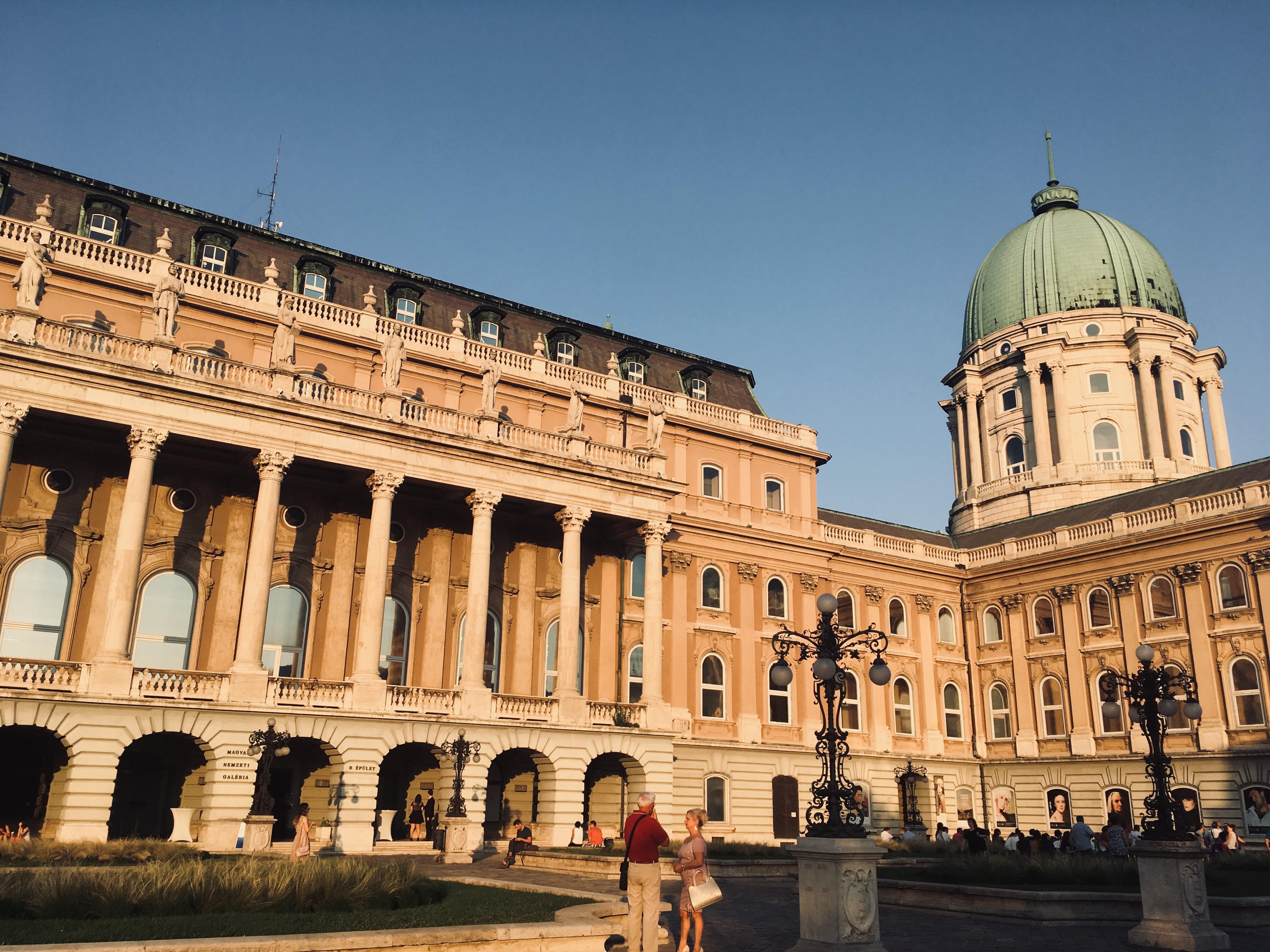 Budapešť